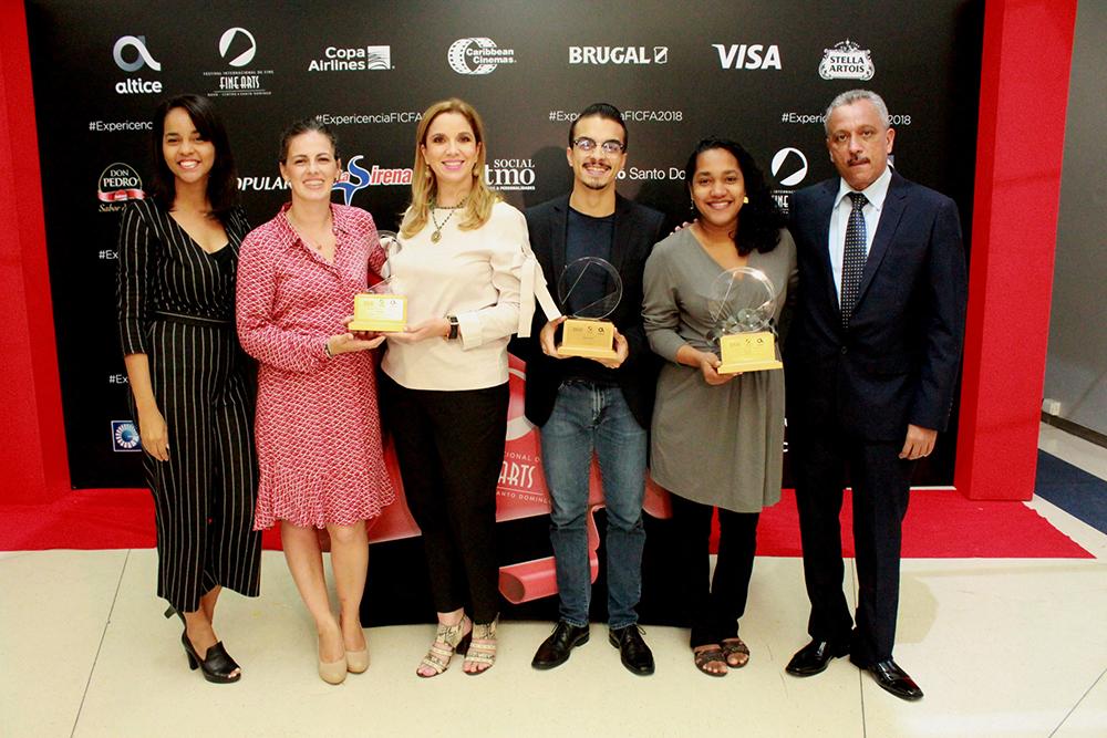Foto principal-Ana Lopez, María Emilia Rinaudo, Elsa Turull, Johnny Morales Jr., Luguely Cunillera, José D´Laura