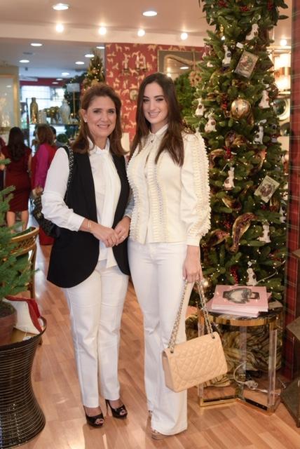 10. Ingrid Peña y Lisa Peña