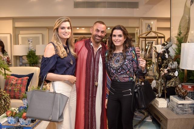 20.Jiuliana Hache, Cairo & Gabriela Hache De Garcia