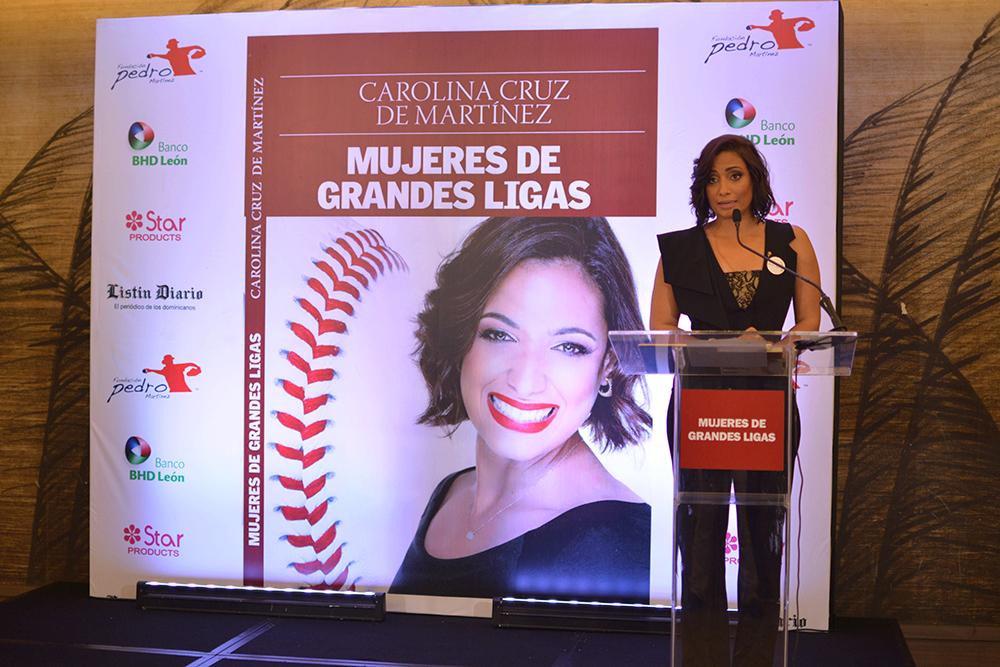 Carolina Martinez autora del Libro Mujeres de Grandes Ligas