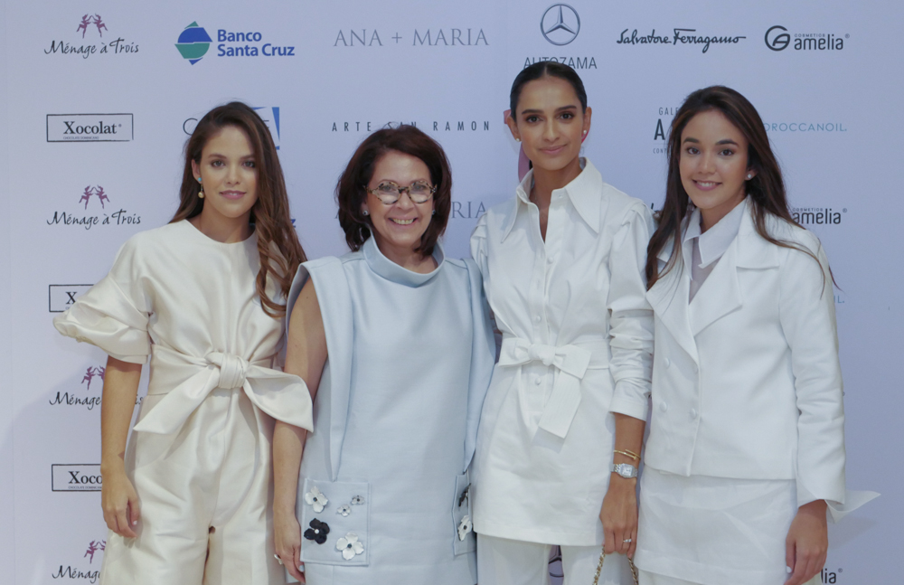 1.1Anabella Cordero, Ani Luciano de Cordero, Atenas Hernández y Jimena Cordero