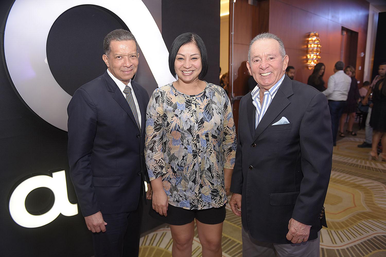 16. Reyes Guzman, Carol Perez y Alfredo Freites