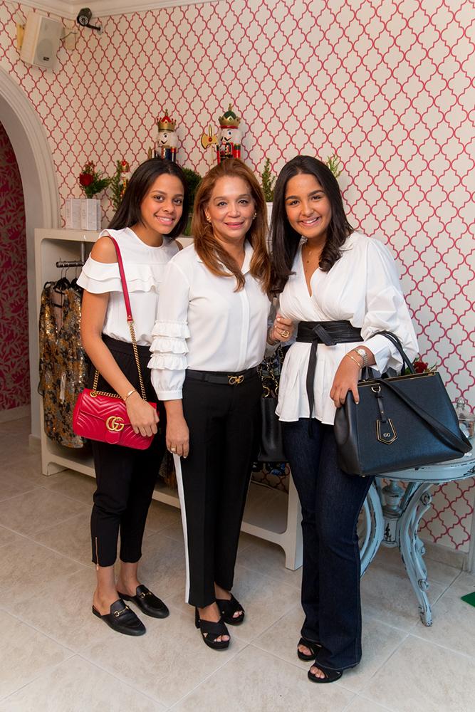 4.Carla Domínguez, Jacqueline Garrido, Valerie Guzman