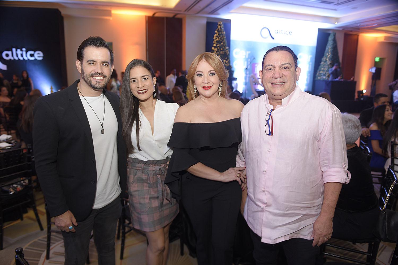 5. Manny Cruz, Yery Perguero, Ana Rossina y Kenny Grullon