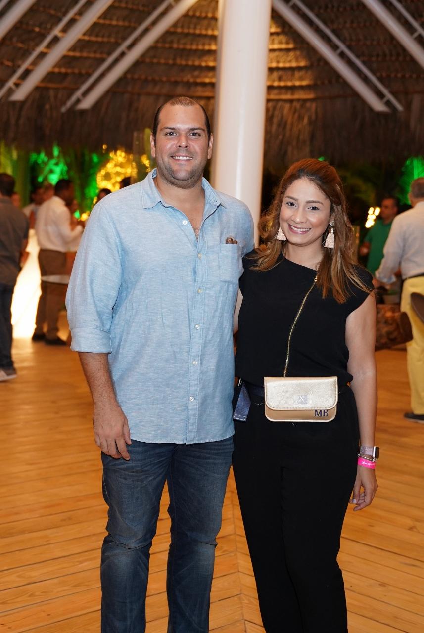 Antonio Hoepelman y María Bello (857x1280)