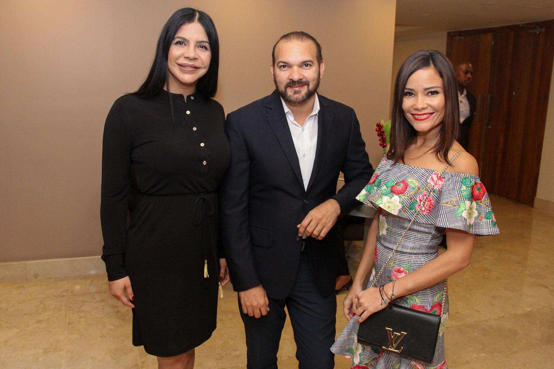 Carolina Gonzalez, Ezequiel Martínez y Melina Cuello