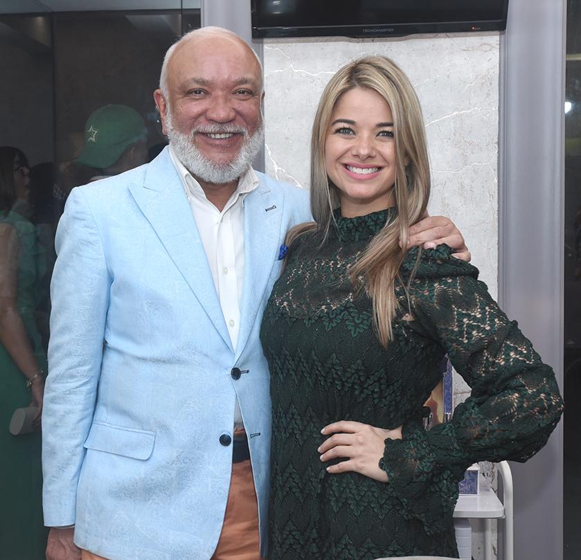 Jochy Santos y Katherine Lemoine