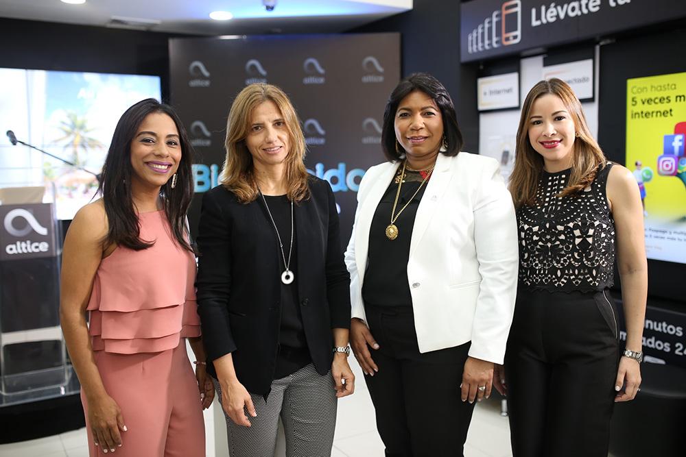 1. Kendall Roa, Ana Figueiredo, Eury Vasquez y Gisel Tineo