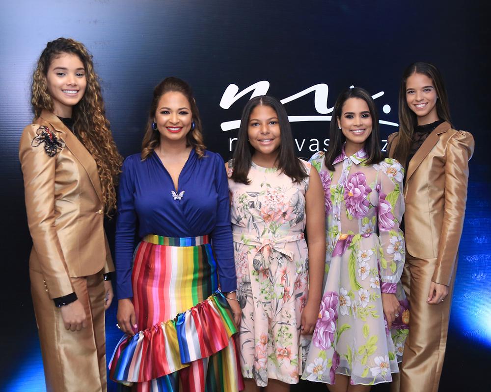 1. Principal Joheirry Mola, Nina Vasquez y Gessy Garcia Vasquez, Diandri Vasquez y Wilma Antoniazzi