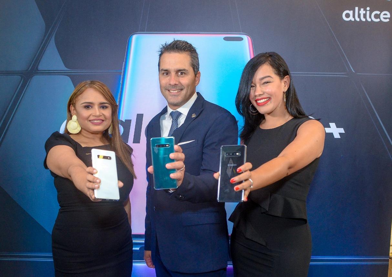 1. Principal. Clara Francisco,Yann Charuau y Karina Ortiz