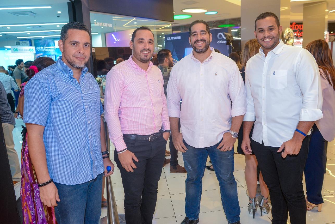 11 .Luis Fernandez, Francisco Dos Reis, Cristian Fernandez y Gregory Cespedes