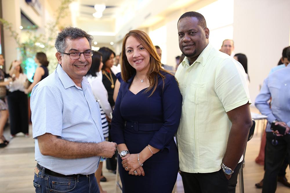 11. Luis Carlos Tejada, Yaniris Heriquez y José Almonte