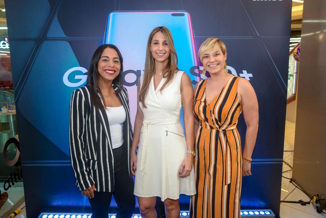 2. Kendall Roa, Carolina Guzman y Giselle Concha