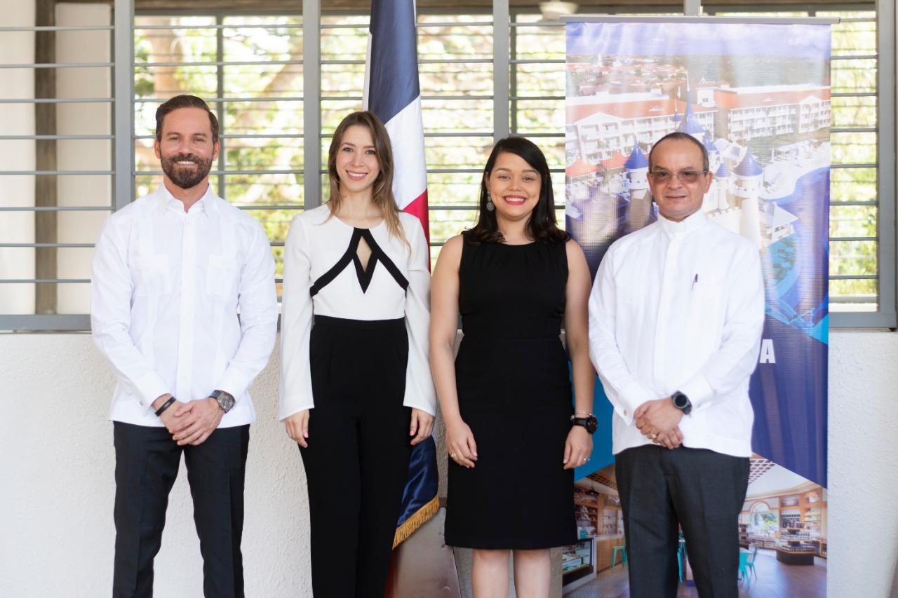 3. Hugo Pérez Ovalles, Sabrina Gottschalk, Beatriz García, Joelvi Díaz