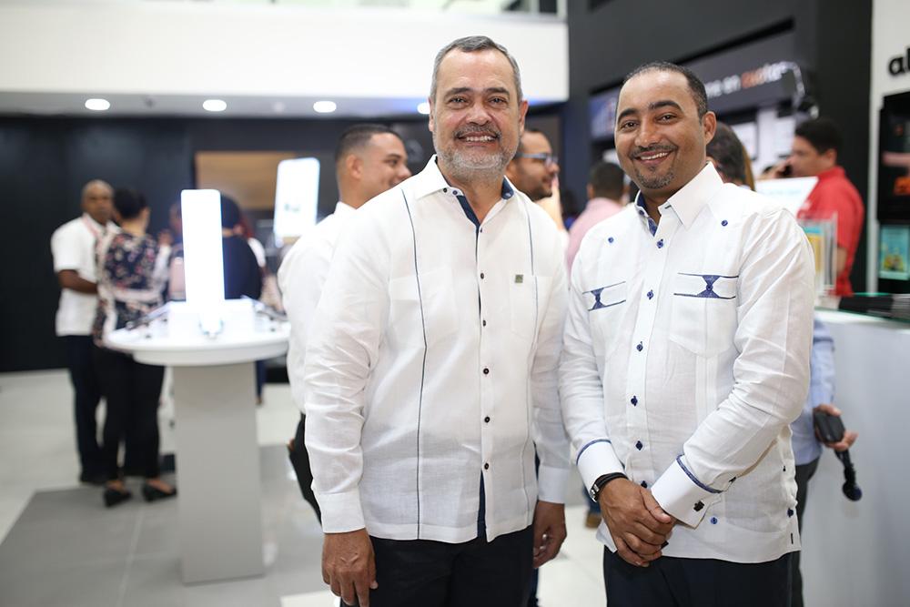 3. Paul Beswick y Ramon Ramírez