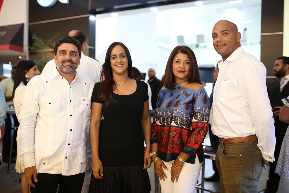 7. Charles Ford, Massiel Cubilette, Sarah Alvarez y Robert Encarnación