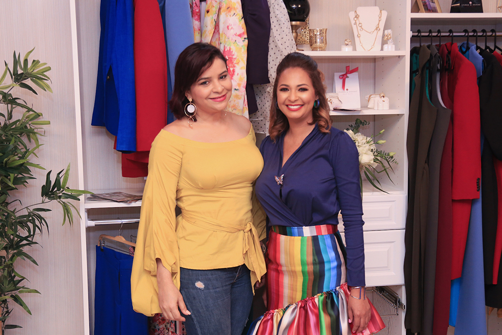 9. Melkis Diaz y Nina Vasquez