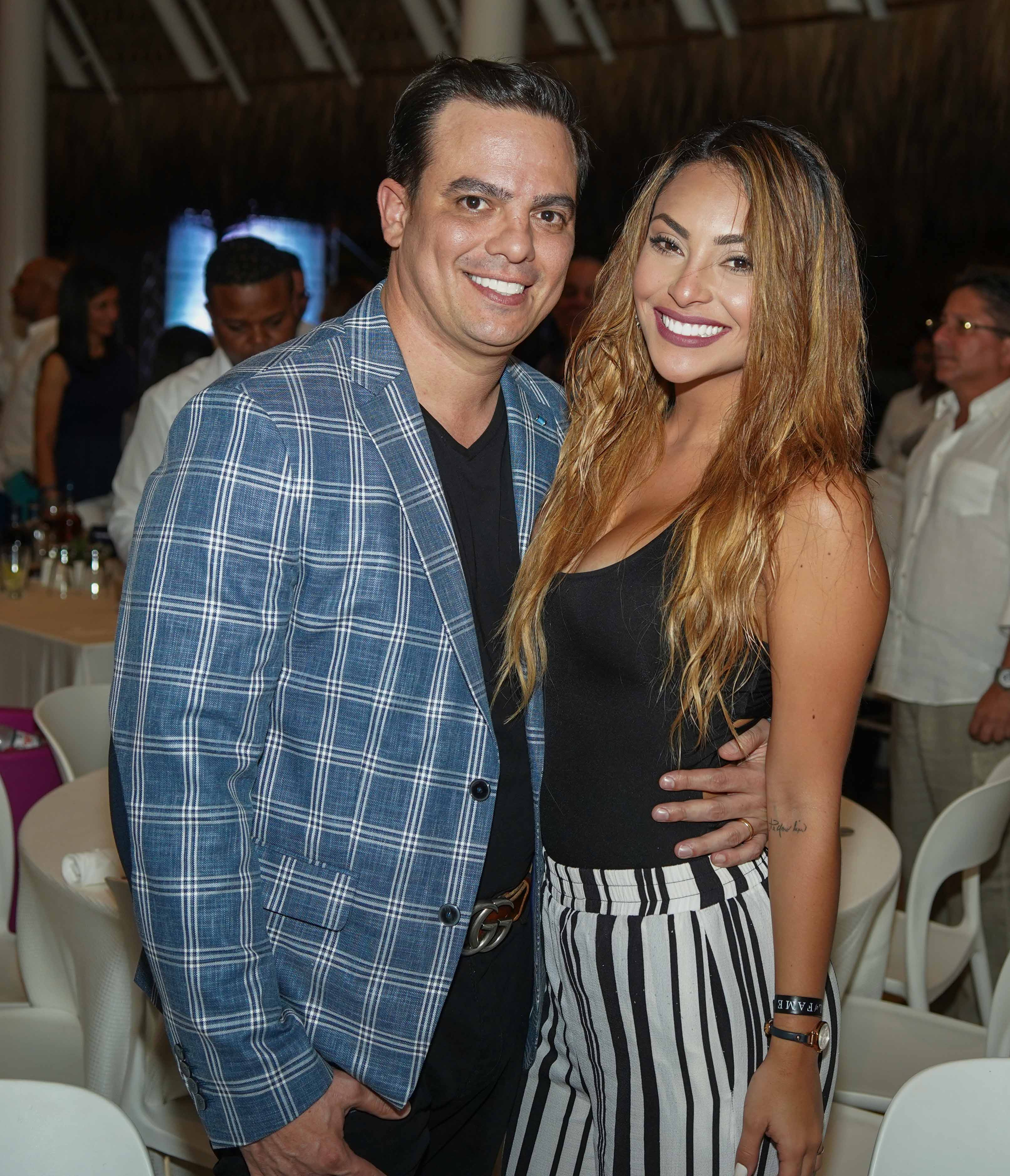 31- Israel Lopez y Sasha Navarra