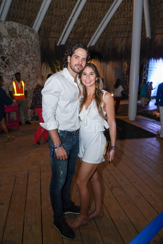 33- Salvador Iglesias y Gabriella Tavares