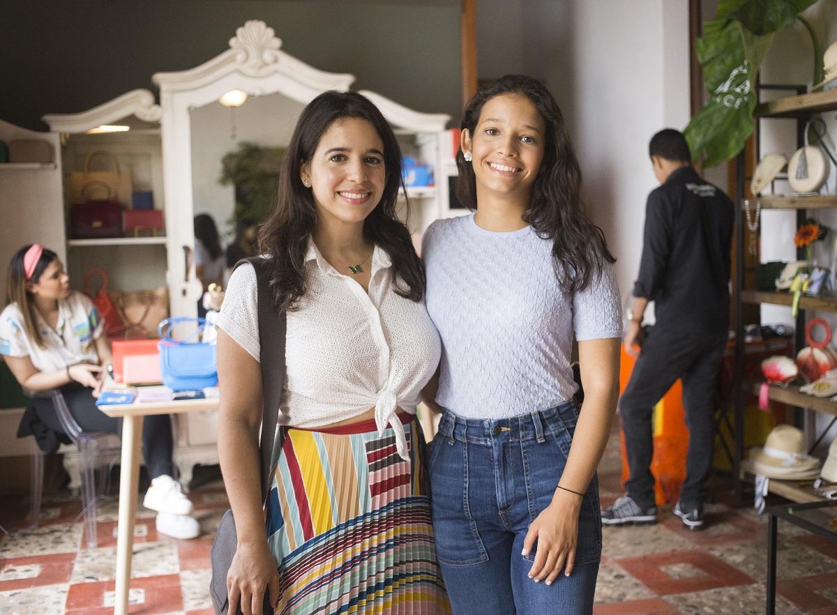 11.Diana Mella y Teresa Mella