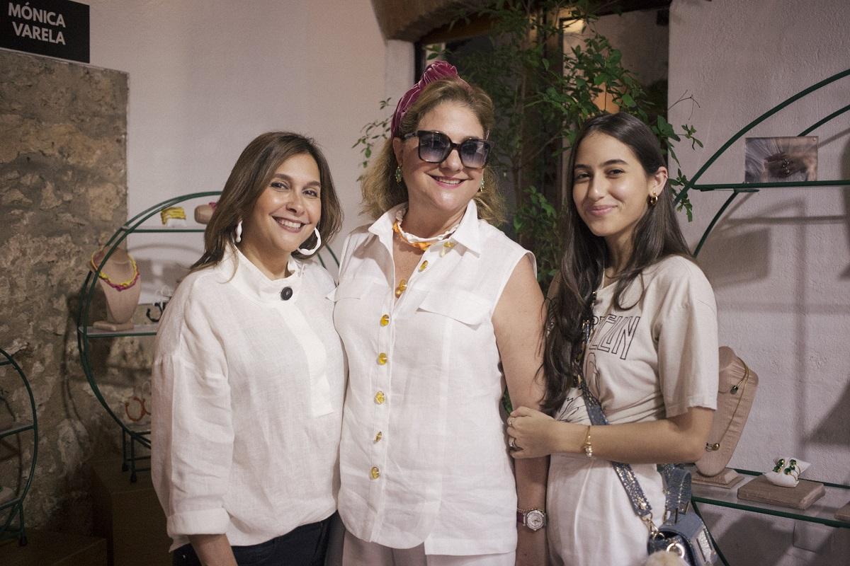 4.Jasmine de Moya, Maite Fern†ndez y Marcelle de Moya