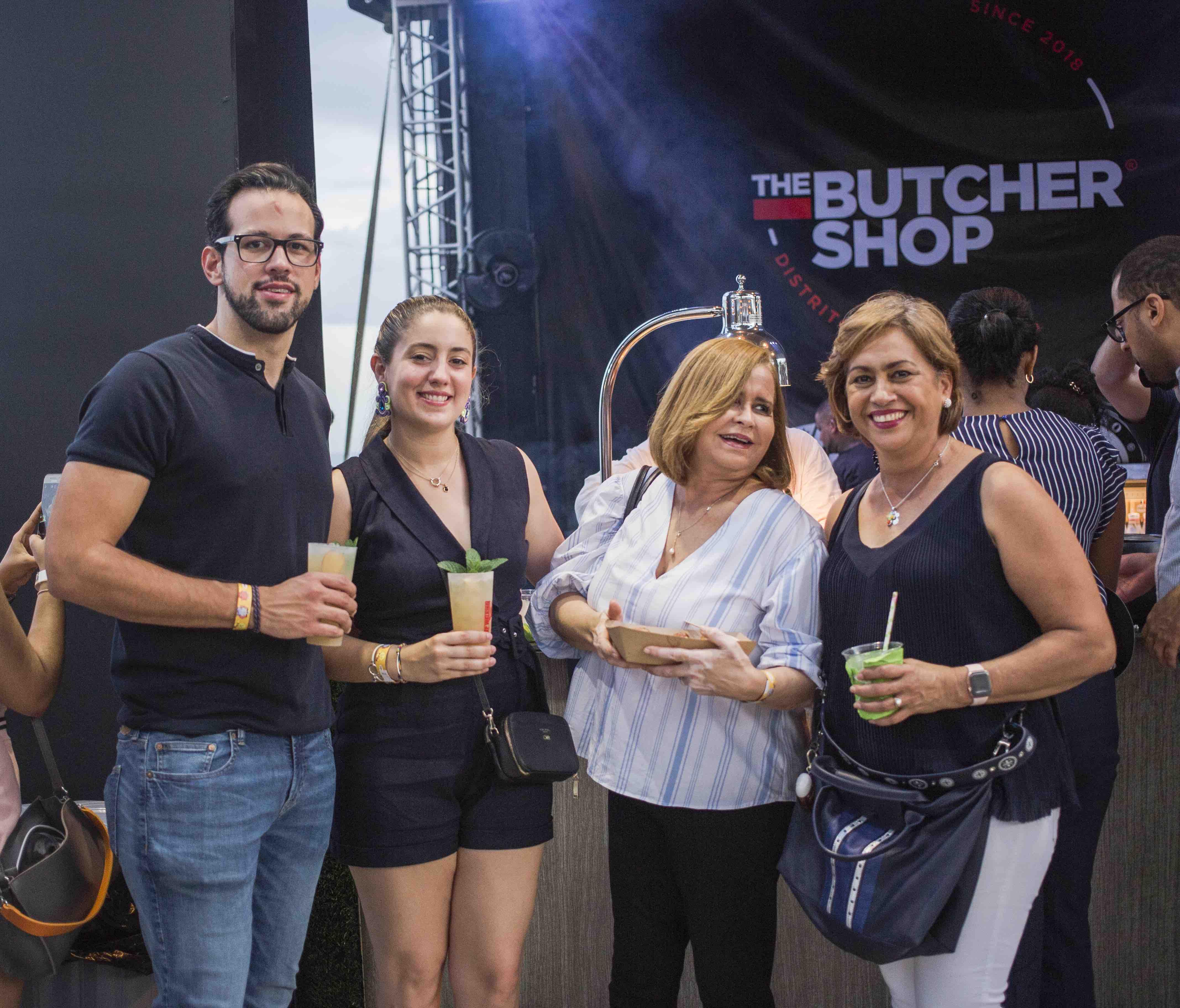 10. Jose Sella, Clementine Mangeri, Fior Frias y Yolanda Mangeri