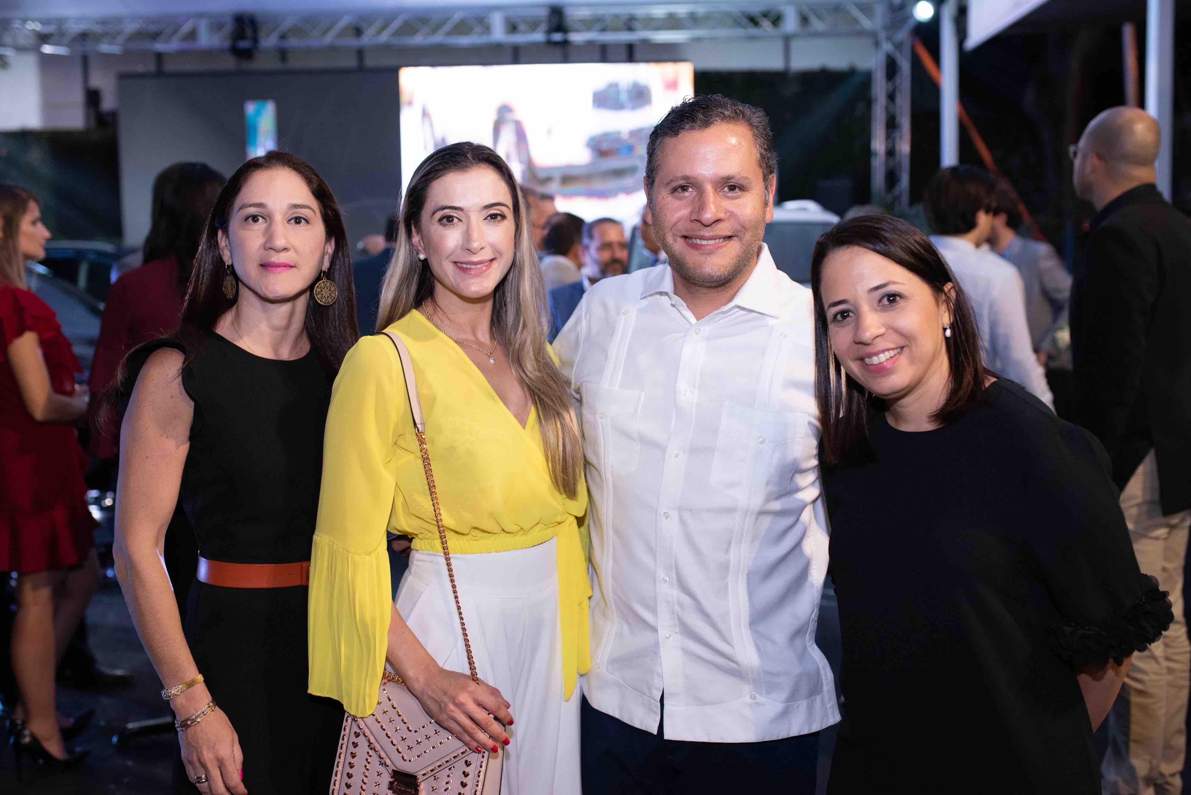 6. Carla Candelario, Michelle Goulart, Dr. Julio Sicard y Lourdes Blanco