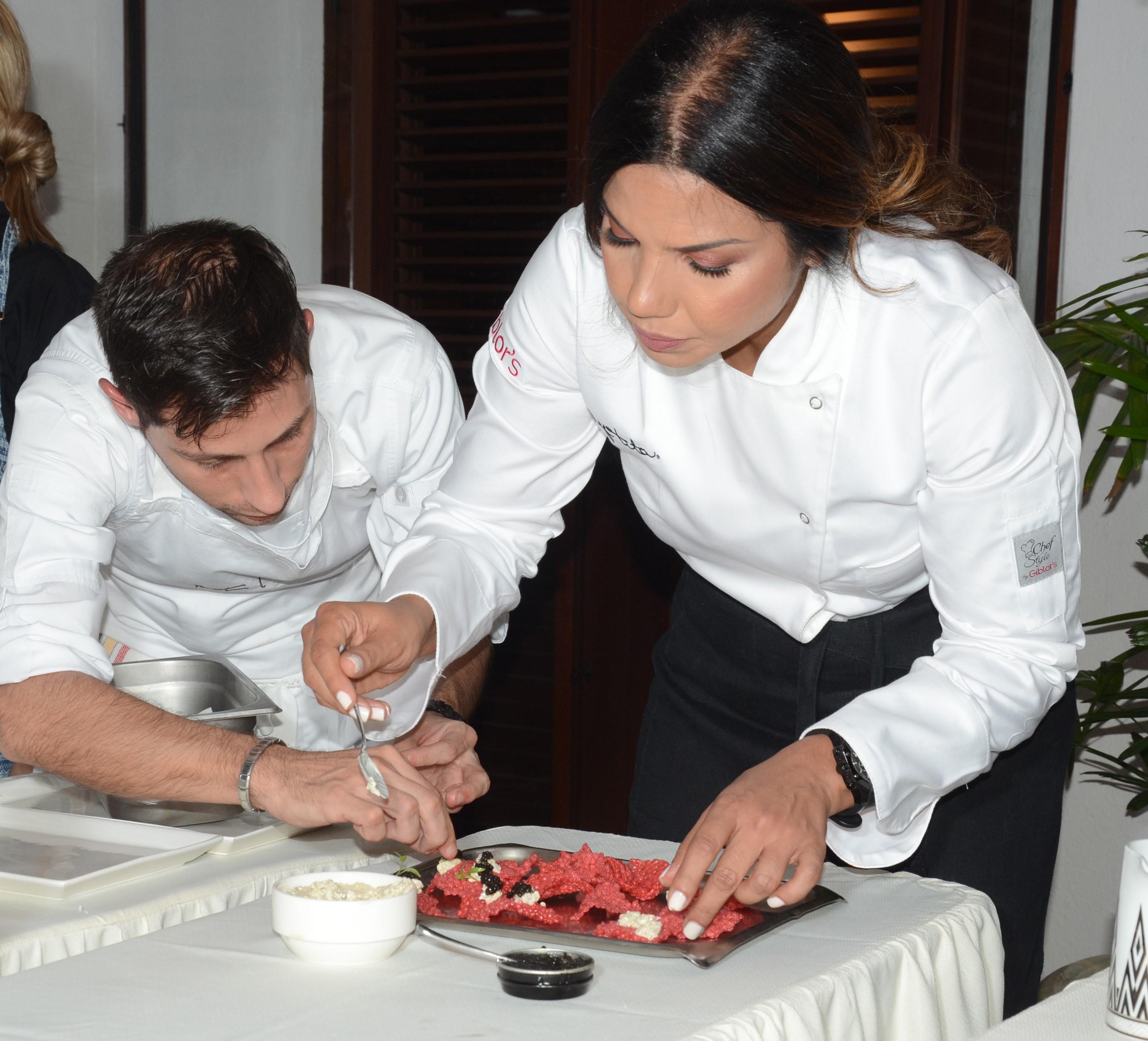 Chef Jua Manuel Feito del Paradisus by Meliá y Passion by MB junto a Chef Tita