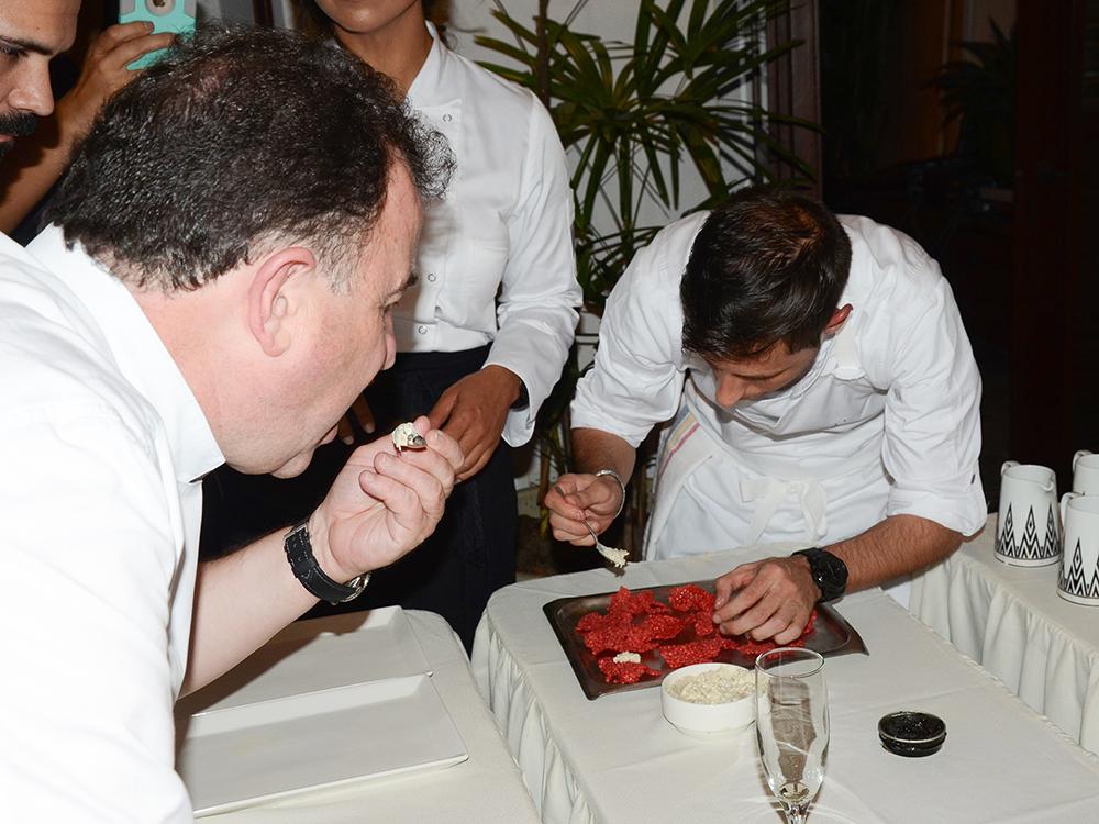 Chef Juan Manuel Feito del Paradisus by Meliá y Passion by MB junto a Martin Berasategui