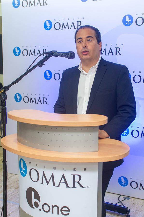 Vladimir Licairac-VP de negocios Muebles Omar
