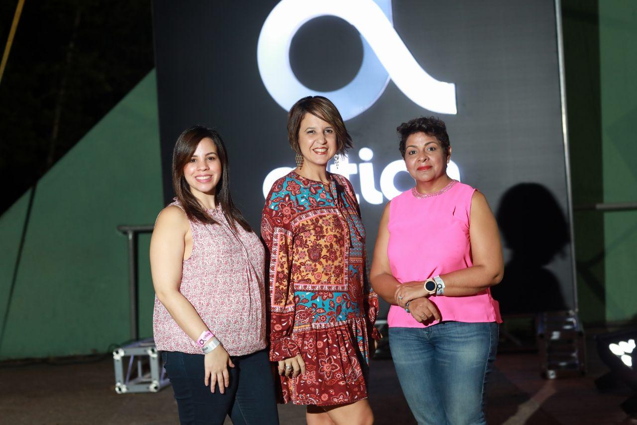 1. Principal. Elizabeth Santana, Giselle Caputo y Soraida Soto