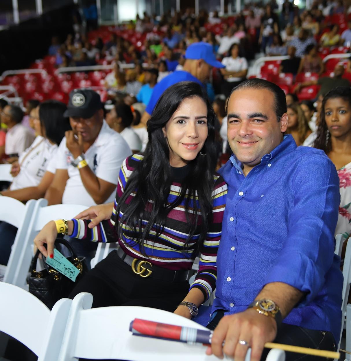 6. Katterin Garcia y Robert de la Cruz