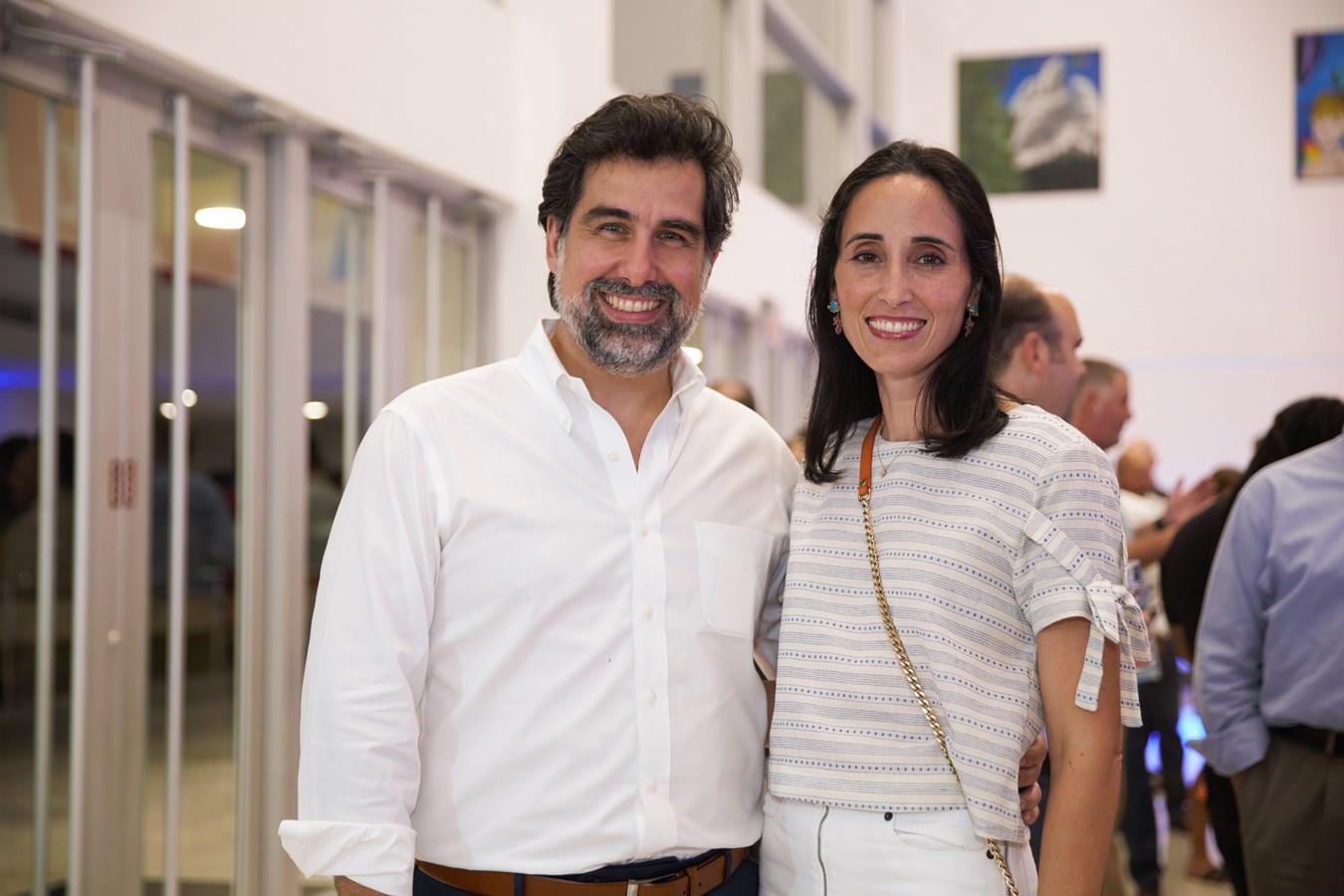 Manuel Cabral, Susana Martínez - 2