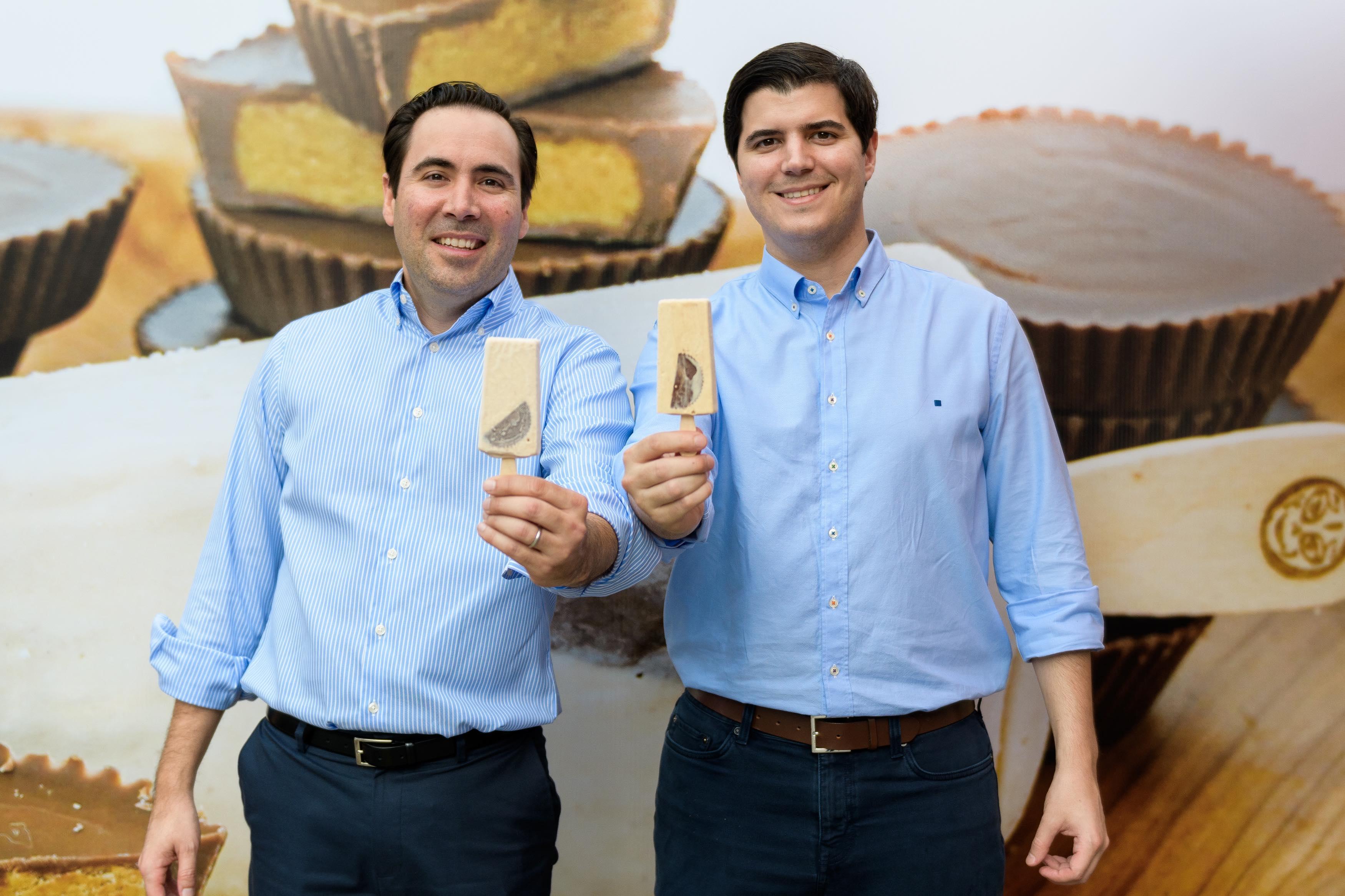 1.1 José Vela & Javier Elias