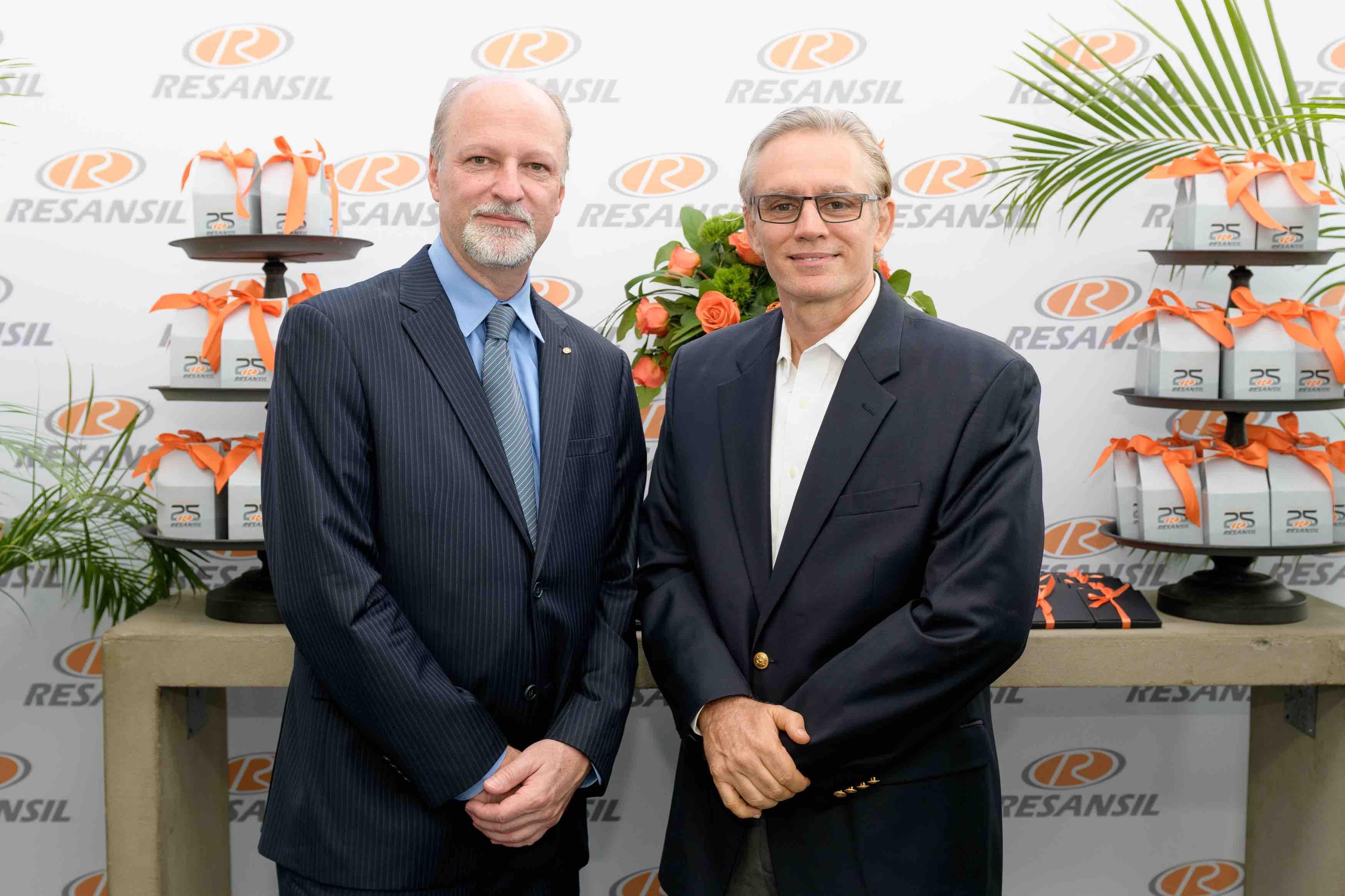 2. Marco Celi (COO Resansil RD) & José Peña