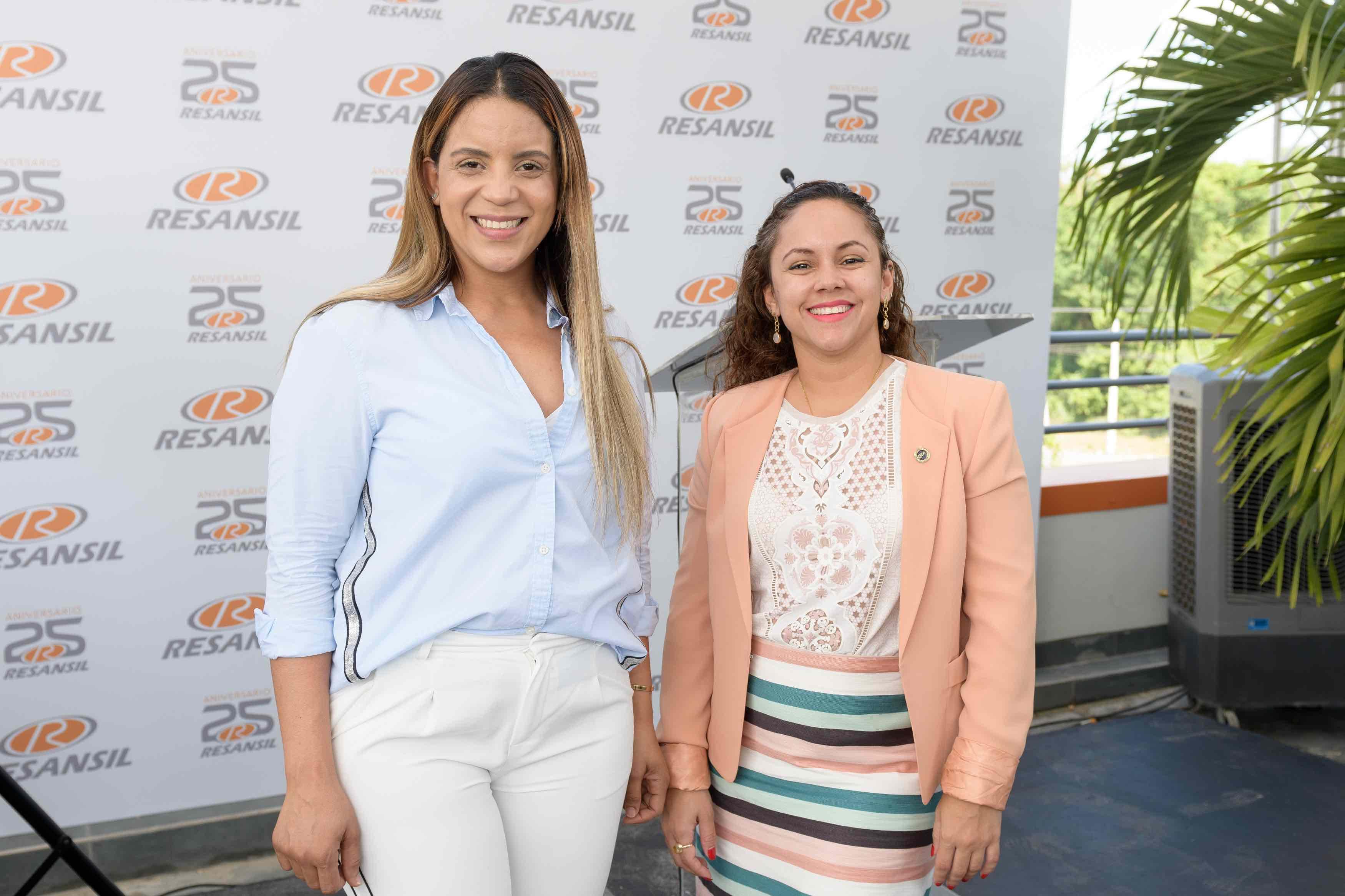 9. Eunice Díaz & Laila Victoria