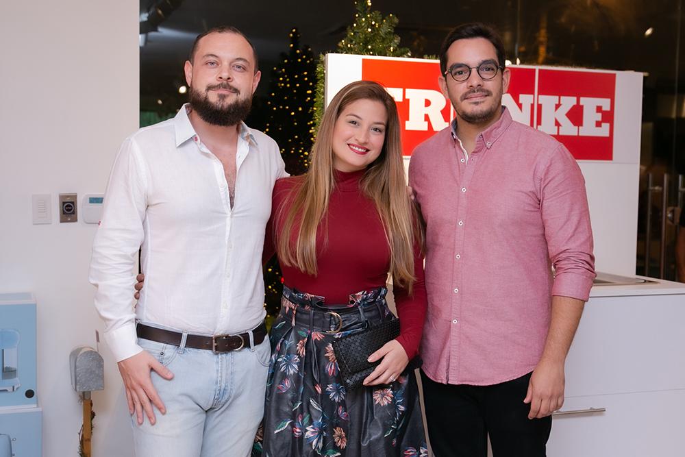 5. Jaime Calle, Sarah González y Erwin Cott
