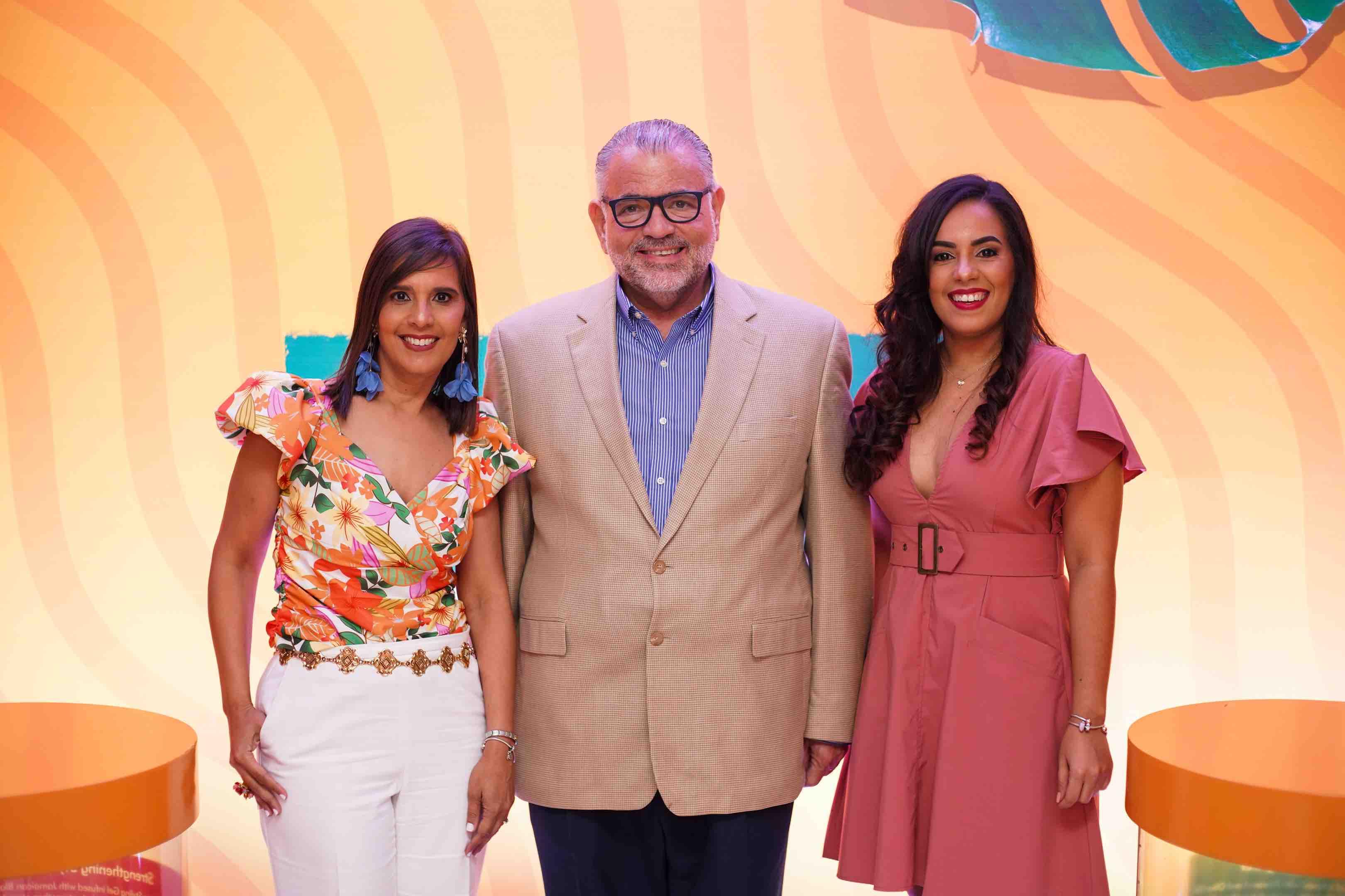 1. Gina MOntolio, Wilfredo Mallén & Franchesca veras