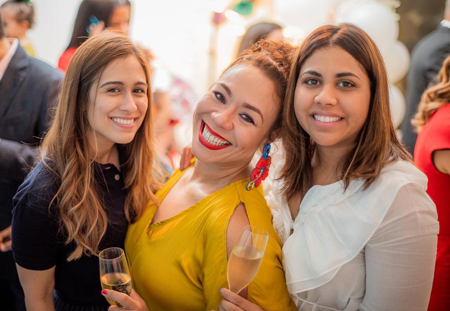 2.Lourdes Achecar, Mimi Ortiz y Dalia Beltré