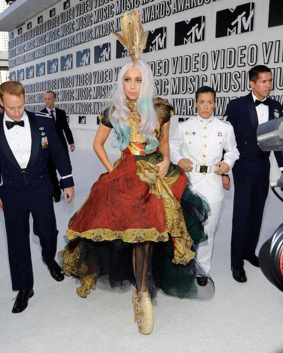 Look de Alexander McQueen MTV VMA´S 2010