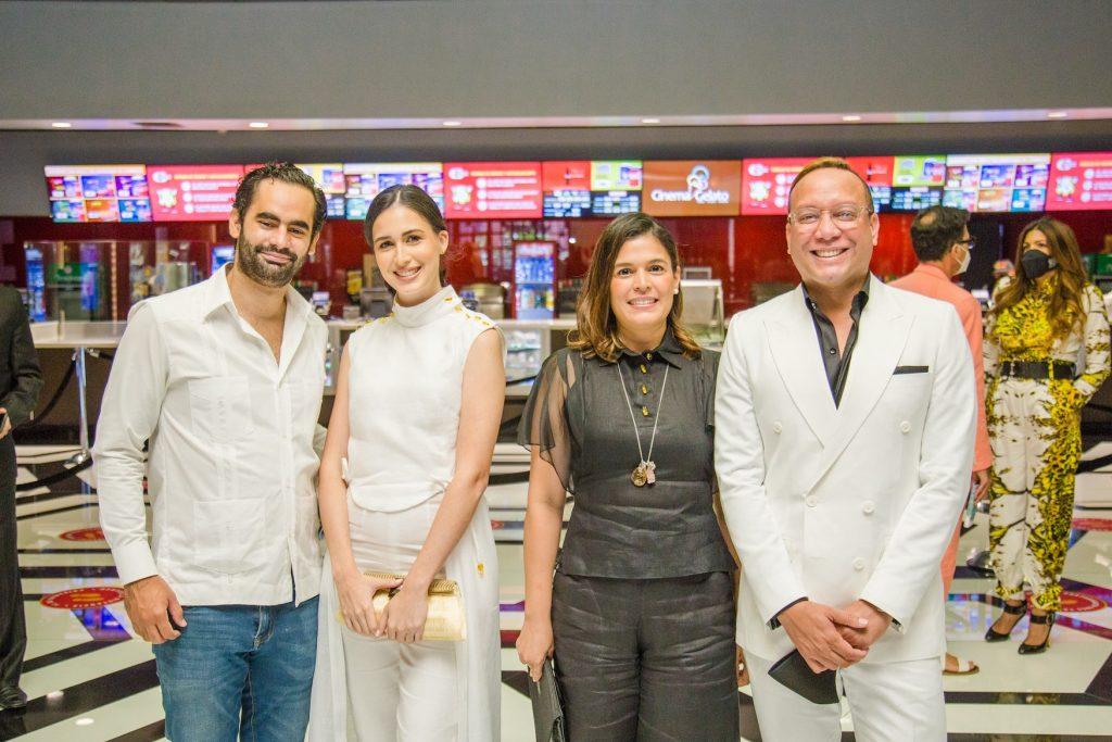 Tomás Casals, Mariel Aponte, Carla Quiñones y José Jhan