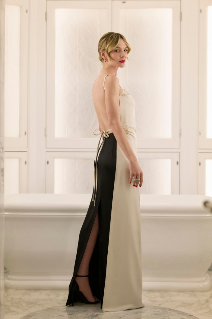 Carey Mulligan, minimalista y sensual con un diseño de Prada