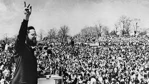 Desde su primera celebración en 1970, numerosas personalidades se han unido a la causa, prestando su voz y esfuerzos.
