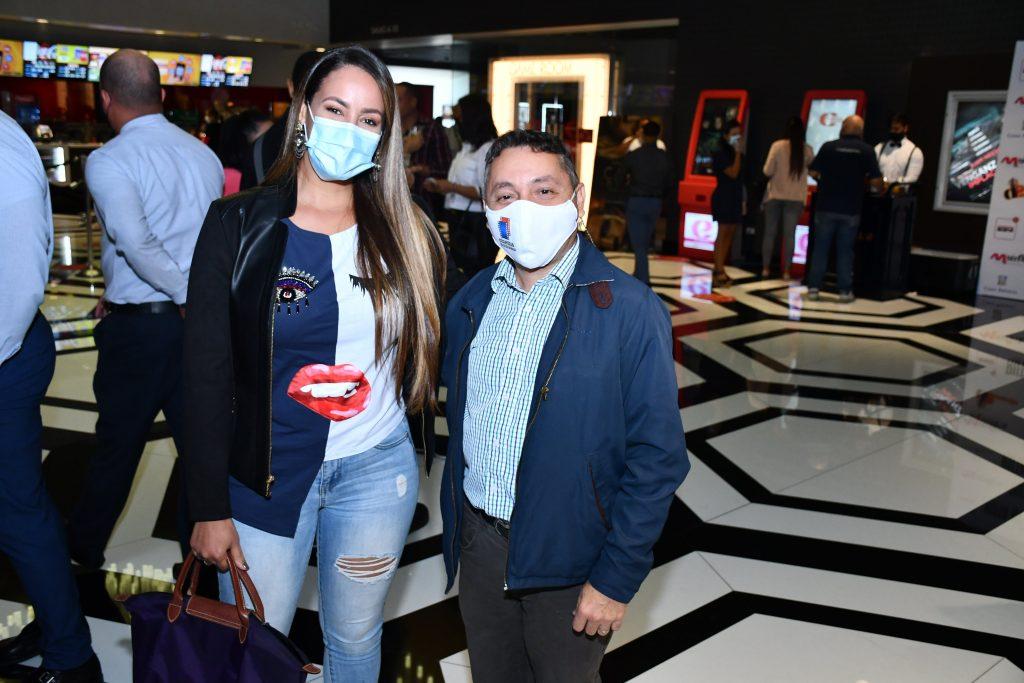Wanda Sánchez y Felix Manuel Lora en la premiere