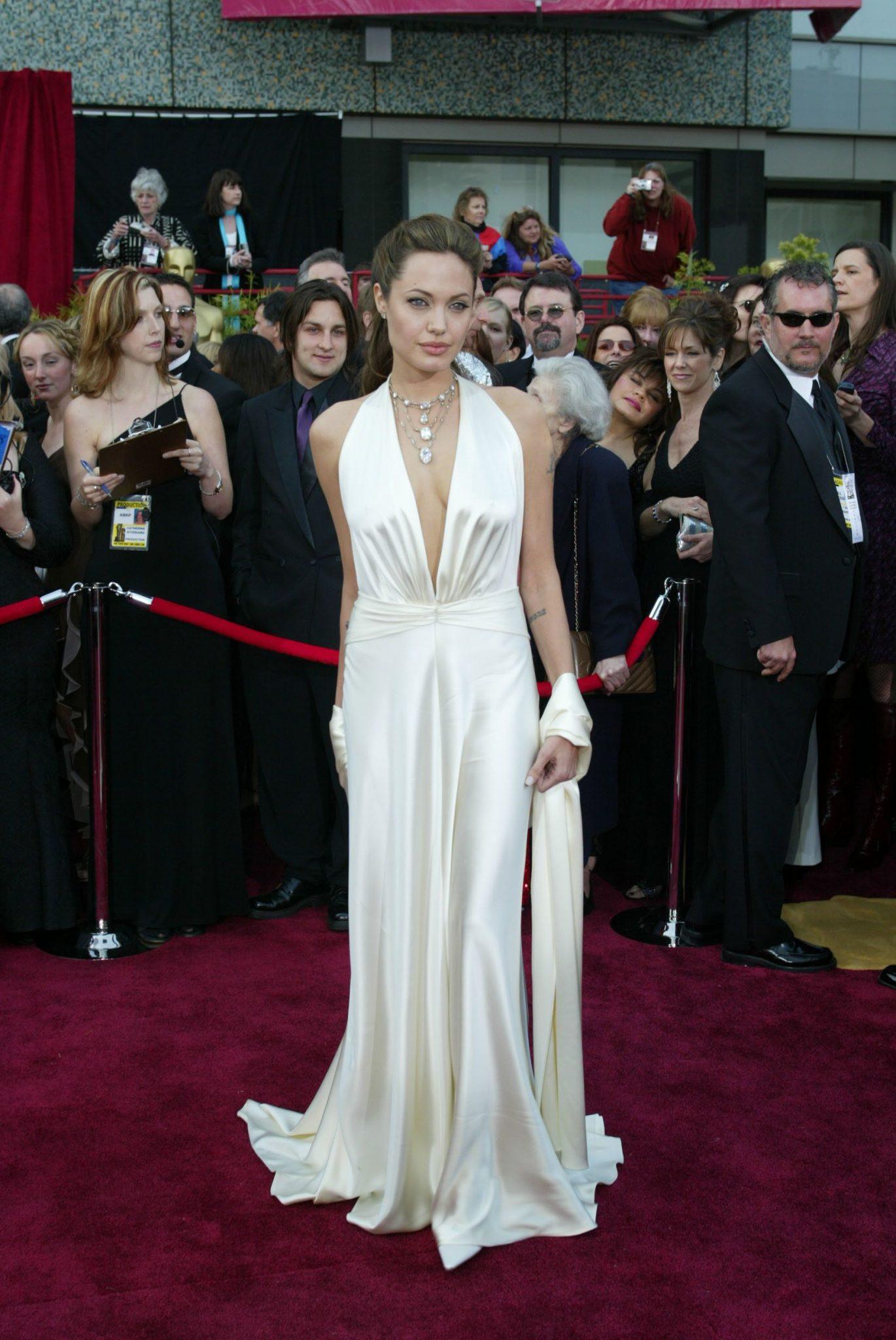 Angelina Jolie por Marc Gower, 2004.