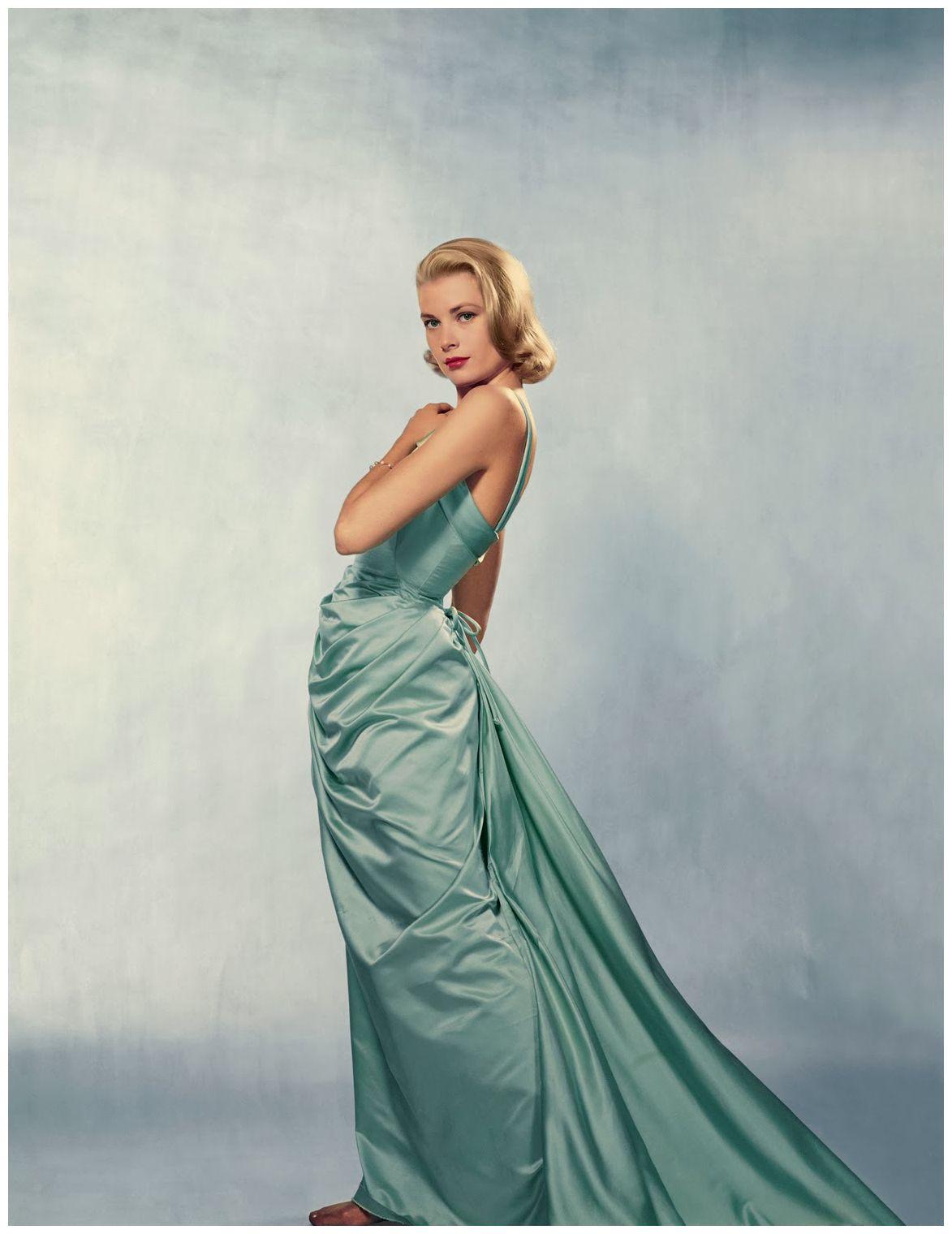 Grace Kelly con su memorable traje de Edith Heath.