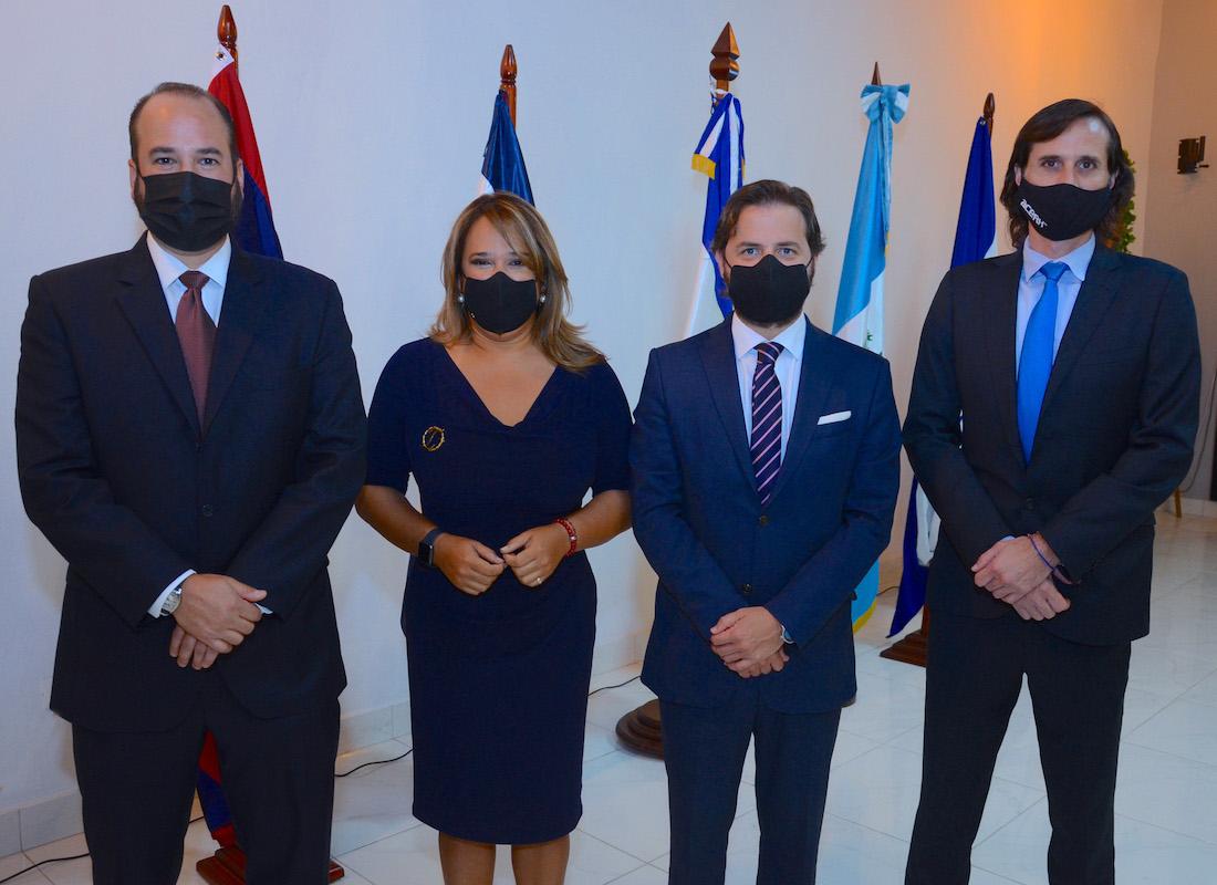 Héctor Cerda, Isabel Estévez, Antonio Reina , César Gómez