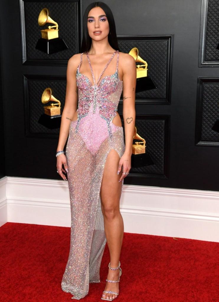 Dua Lipa y el vestido del que todo mundo habló en la pasada entrega de los premios Grammy.