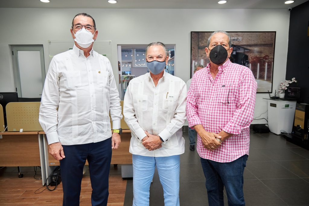 Juan Manuel Martin del Oliva, Frank Rainieri, Ernesto Veloz