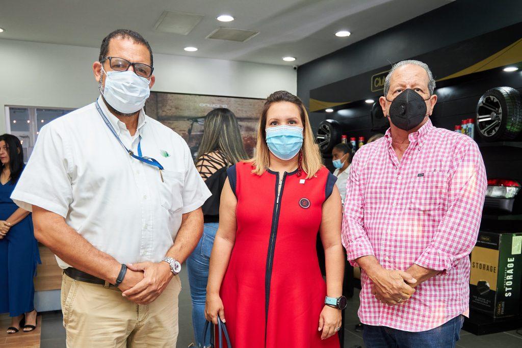 Miguel Roa, Maria del Carmen Gómez, Ernesto Veloz